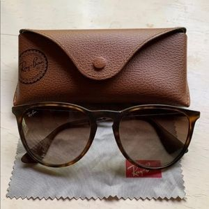 Beautiful Like New Ray-Ban Sunglasses